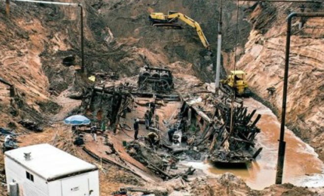 Клад на 15 метровой глубине: черные копатели подняли целый пароход золота